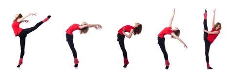 La giovane ginnasta che si esercita sul bianco Fotografie Stock Libere da Diritti
