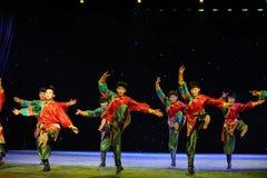La giovane manifestazione della città universitaria di ballo- del ragazzo del Eagles-tibetano Immagine Stock Libera da Diritti