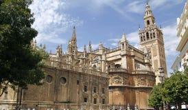 La Giralda, den berömda domkyrkan av Seville Arkivbild