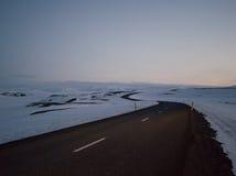 La glace a couvert des montagnes en île occidentale du nord Image libre de droits