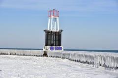 La glace a couvert la jetée Photographie stock libre de droits