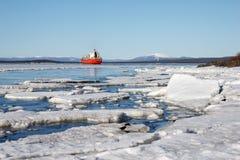 La glace de mer est détruite au printemps Photographie stock