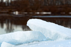 La glace sur la rivière Photographie stock libre de droits