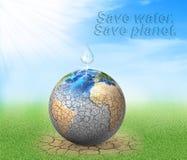 La goccia di acqua cade al pianeta secco Fotografia Stock Libera da Diritti