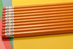 La gomme a complété des crayons Photo libre de droits