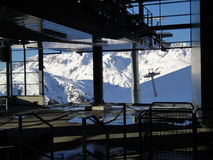 La gondola al arlberg dei pendii della st anton Fotografie Stock Libere da Diritti
