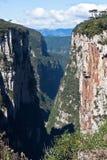 La gorge Rio Grande d'Itaimbezinho font Sul Brésil Photographie stock libre de droits