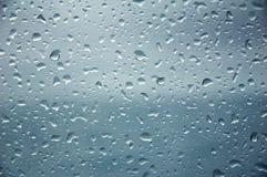 La gota del agua sobre el vidrio Fotografía de archivo libre de regalías