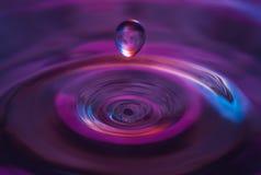 La gota redonda del agua Foto de archivo libre de regalías