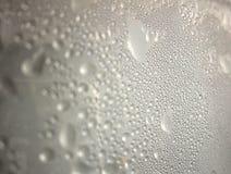La gouttelette d'eau sur le miroir photos libres de droits