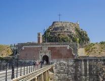 La Grèce, Corfou, ville de Kerkyra, le 26 septembre 2018 : Pont à ravir à la vieille forteresse vénitienne de point de repère tou photo stock