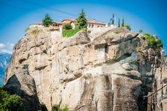 La GRÈCE, METEORA, juillet 2015, formations de roche spectaculaires et monastères orthodoxes grecs Images libres de droits