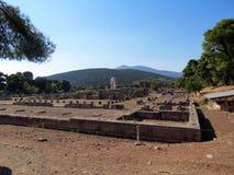 La Grèce, Péloponnèse, Epidaurus, les restes du temple antique image libre de droits