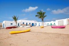 La Graciosa - échouez avec des bateaux en Caleta del Sebo Image libre de droits