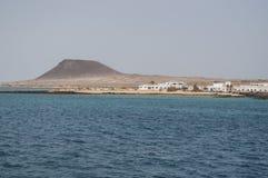 La Graciosa, Strand, Skyline, Atlantik, vulkanisch, Landschaft, Paradies, kreuzend, Ausflugboot, Lanzarote, Kanarische Inseln, Sp stockbild