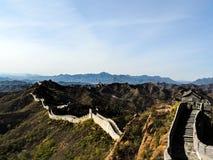 La Gran Muralla en caída con el cielo azul claro Imágenes de archivo libres de regalías