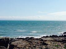 La gran playa tira abajo Bridgend Imagen de archivo libre de regalías