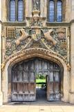 La gran puerta de la universidad de la universidad del ` s de Cristo de Cambridge, en Cambridge Reino Unido Foto de archivo libre de regalías