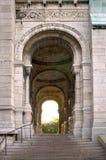 La gran puerta en Sacre Coeur   Fotos de archivo