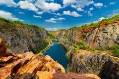 La grande Amérique - Velka Amerika est carrière de dolomite pour la production de ciment , l'Europe Image libre de droits