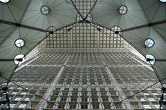 La Grande Arche. Υπεράσπιση Λα, Παρίσι, Γαλλία. Στοκ εικόνες με δικαίωμα ελεύθερης χρήσης