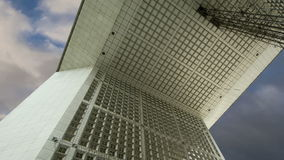 La Grande Arche Defensa, anuncio publicitario y centro de negocios del La de París, Francia metrajes