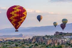 La grande attraction touristique de Cappadocia - montez en ballon le vol capuchon Photo libre de droits