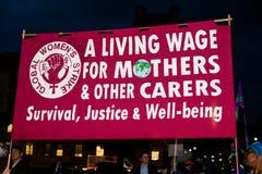 La Grande-Bretagne mérite une revalorisation des salaires - finissez la march de protestation de chapeau maintenant Photos stock