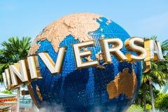la grande fontana girante del globo davanti agli studi universali Immagine Stock