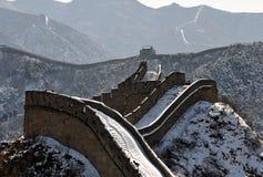 La grande muraglia nella neve di bianco di inverno immagine stock libera da diritti
