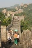 La Grande Muraille de la Chine avec des touristes Image stock