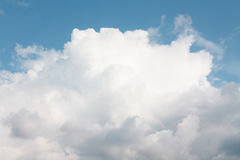 La grande nube bianca Immagini Stock