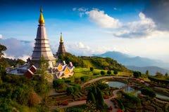 La grande pagoda sainte Nabhapolbhumisiri de reliques Image stock