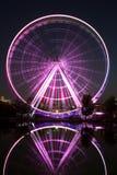 La grande roue de Montréal a illuminé le soir photos libres de droits
