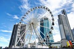La grande roue sur le centre de transit dans le paradis de surfers Photographie stock libre de droits