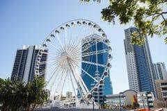 La grande roue sur le centre de transit dans le paradis de surfers Photographie stock