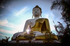 La grande seduta di Buddha fotografia stock