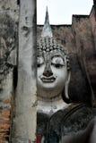 La grande statue de Bouddha dans le temple de copain de Sri est un site historique en parc historique de Sukhothai photos libres de droits
