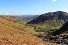 La grande vallée de Langdale de Stickle Ghyll, Cumbria photo stock