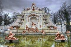 在La Granja de圣・ Ildefonso庭院的喷泉。 图库摄影