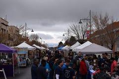 La granja y el arte comercializan sábado lluvioso Las Cruces fotografía de archivo libre de regalías