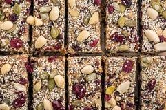 La granola a coupé en morceaux Photo libre de droits