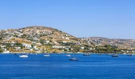 La Grecia cyclades Isola di Paros Il bianco pittoresco alloggia vicino a PA Fotografie Stock Libere da Diritti
