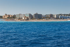 La Grecia, Rodi - 16 luglio: Punto orientale dell'isola ed il vicolo della spiaggia il 16 luglio 2014 in Rodi, Grecia Fotografia Stock Libera da Diritti