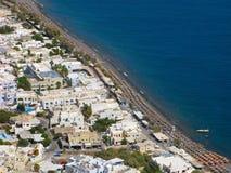 La Grecia, Santorini, spiaggia di Kamari, vista superiore immagini stock