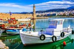 La Grecia variopinta pittorica, Rethymno con il vecchio faro Fotografia Stock