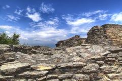 La grotte Catullus dans Sirmione au policier de lac photos libres de droits