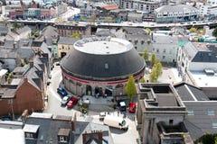 La gru del Firkin, una costruzione rotunda vittoriana, parte di un alloggio complesso di ex Cork Butter Market nel quadrato di Co Fotografia Stock