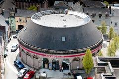 La gru del Firkin, una costruzione rotunda vittoriana, parte di un alloggio complesso di ex Cork Butter Market nel quadrato di Co Fotografie Stock Libere da Diritti