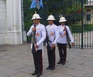 La guardia di onore, grande palazzo, Bangkok, Tailandia di re tailandese Immagine Stock